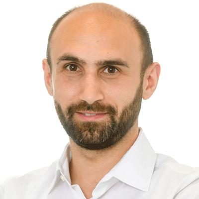 dr-alexander-gelsin-founder-of-beesmartcity.png