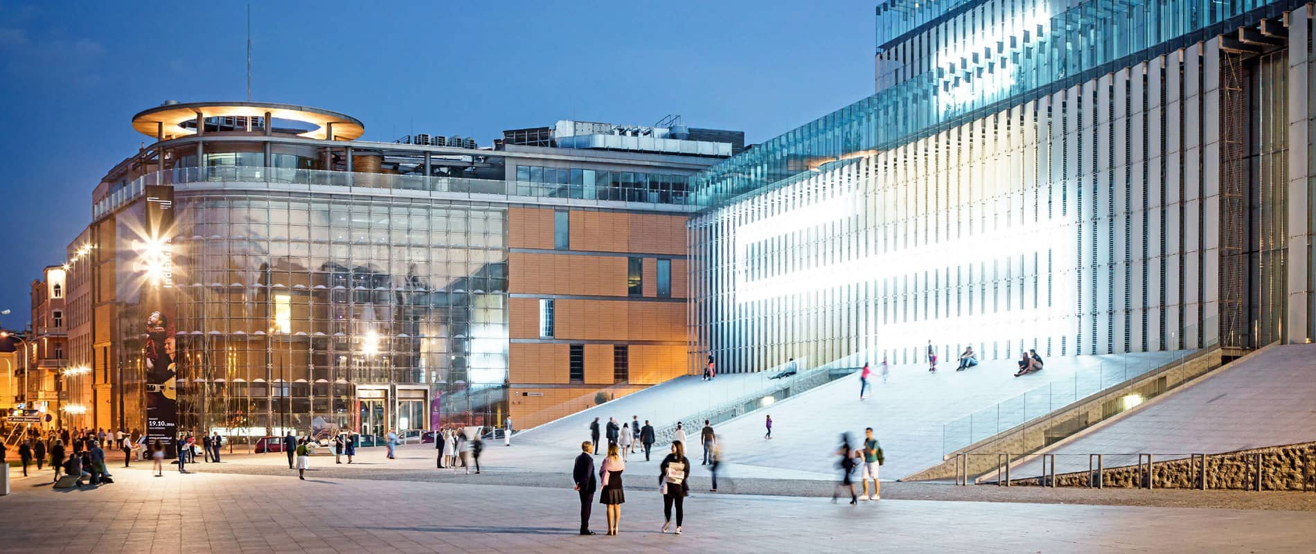 Smart City / Inteligentne Miasto - Praktyczny Podrecznik