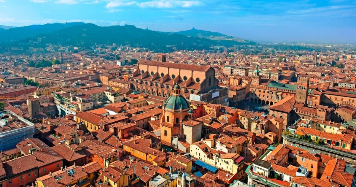 Bologna: The Evolution of a Collaborative Smart City